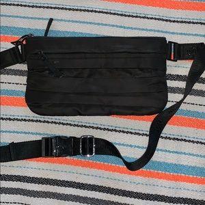 Lululemon belt bag black nylon